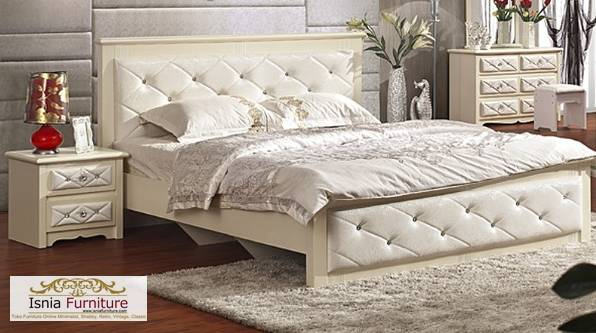 Tempat Tidur Mewah Jok Putih Diamond