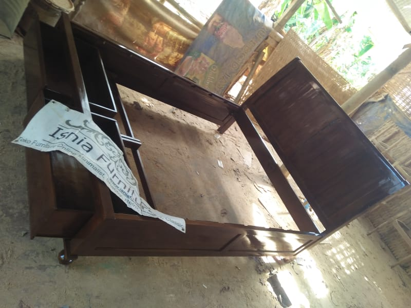 Tempat Tidur Kayu Jati Model Laci Minimalis Modern Murah Terbaru