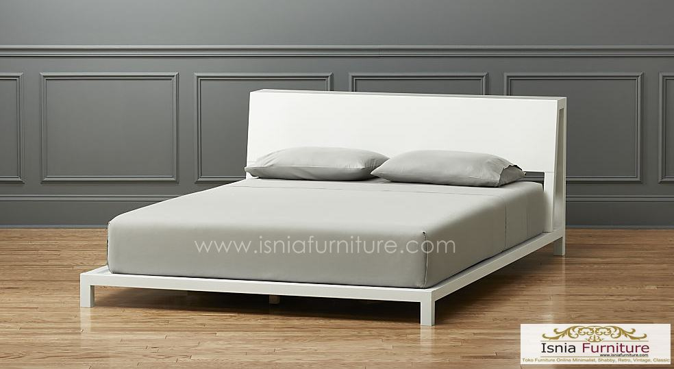 Tempat Tidur Putih Alphine