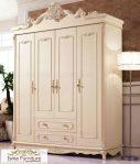Lemari Pakaian 4 Pintu Ukiran Klasik