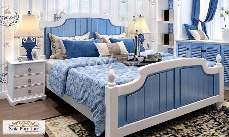 tempat tidur king size terbaru biru putih