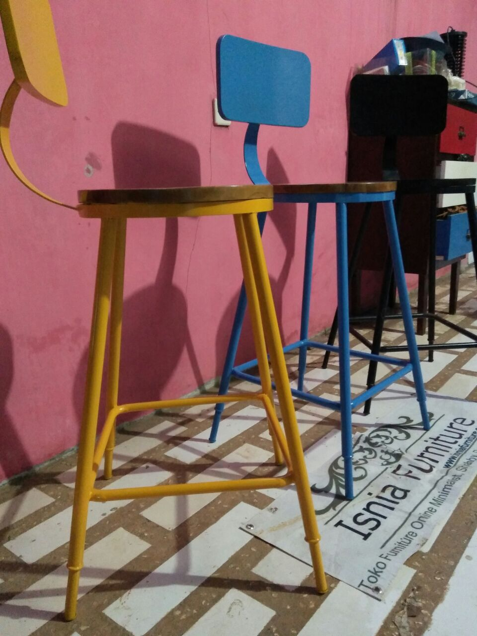 Kursi Cafe Besi Modern Surabaya Unik Berwarna