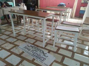 Set Meja Kursi Cafe Model Bangku Ala – Ala Europan