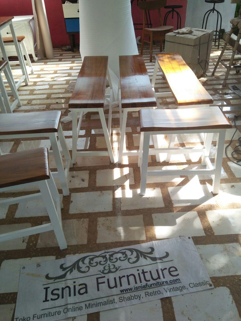 Set Meja Kursi Cafe Model Bangku Ala Europan